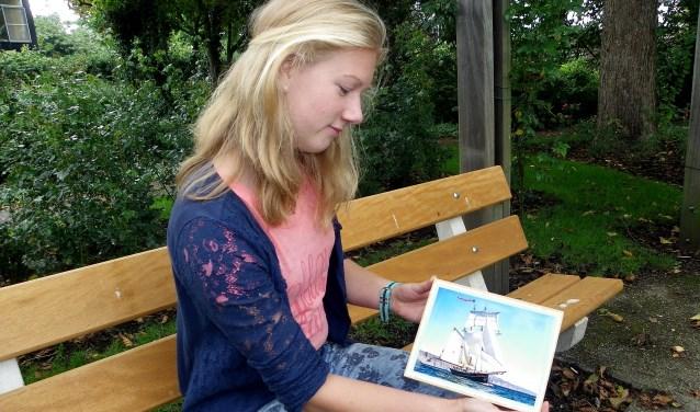 Laura Endeveld gaat begin volgend jaar op onderwijsreis naar de Caribbean met het zeilschip Wylde Swan. De VWO-scholiere houdt van een uitdaging. FOTO: Morvenna Goudkade