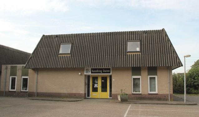 Het verenigingsgebouw van de Kunst Kring Duiven aan de Visserlaan.
