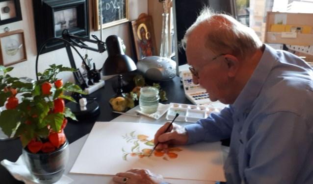 Betrokken bij de vereniging voor botanische kunstenaars bleef Smit met liefde plantenportretten tekenen. Foto: Louise Mastenbroek