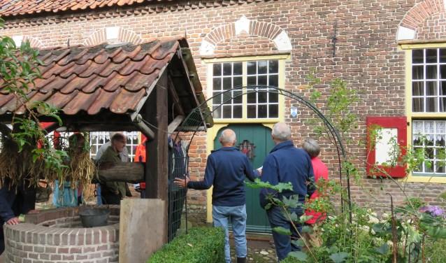De Open Monumentendag door HVOB bij boerderij Boekelo was geslaagd. Veel Bennekommers kwamen een kijkje nemen in en rond de oude boerderij en luisterden met belangstelling naar de geschiedenis.