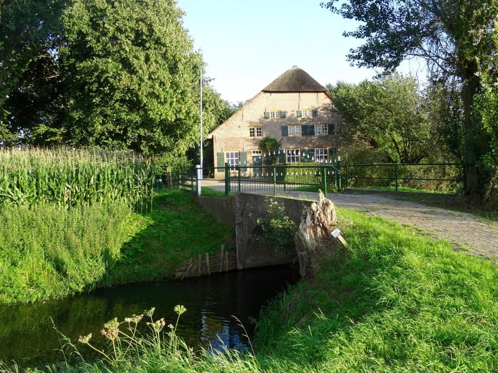 Woonboerderij 't Slot aan de Grotestraat 41 in Heesbeen is tijdens de Nationale Monumentendagen op zaterdag 9 en zondag 10 september te bezichtigen.