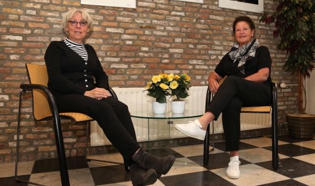 Gerdie Mulder en Annemiek Verpalen, organisatoren van de activiteiten in de Soos (foto: Marco van den Broek).