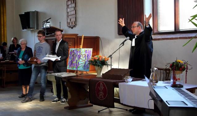 Op zaterdag was de kerk voor alle belangstellenden open vanaf 15.30 uur. Op zondagmorgen begon om 9.30 uur de laatste kerkdienst.