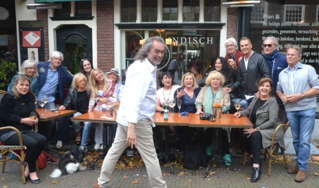 De BN-ers vermaakten zich kostelijk op het feestje van Hilde Marchal. Foto en tekst Martin Reitsma