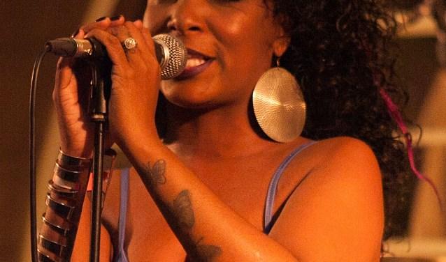 Kat Riggins, 9 september in JJ Music House