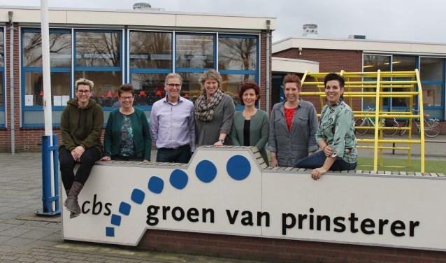 De jubileumcommissie van de Groen van Prinstererschool, Aalten. (tekst en foto: Leo van der Linde).