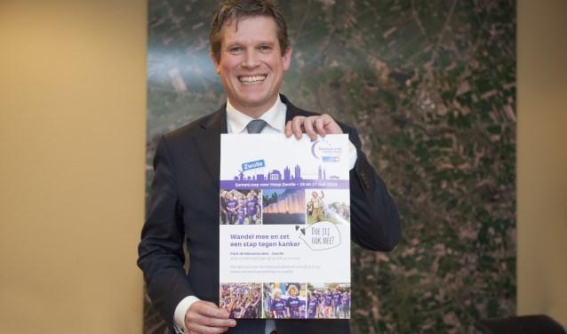 Wethouder René de Heer zet zich in als ambassadeur voor de SamenLoop voor Hoop Zwolle. (foto: Eva Posthuma)