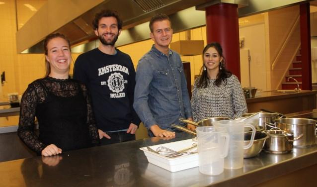 Sabine Hanegraaf, Angelo Schuurmans van Stichting Thuis in Oss, Silvana Giglio en Stan Jansen realiseren een pop-up restaurant dat in februari de deuren opent. Er is plek voor 50 gasten.