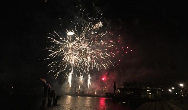 Vuurwerk boven de Dobbe. Foto: Burgemeester Aptroot