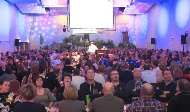 De Ulvenhoutse Dorpsquiz is inmiddels uitgegroeid tot een van de grootste evenementen in het dorp, met jaarlijks meer dan 500 deelnemers, verdeeld over 45 teams. Vrijdagavond 12 januari is het weer zover en zal er op sportpark Jeugdland een extra feestelijke 25 editie plaatsvinden.