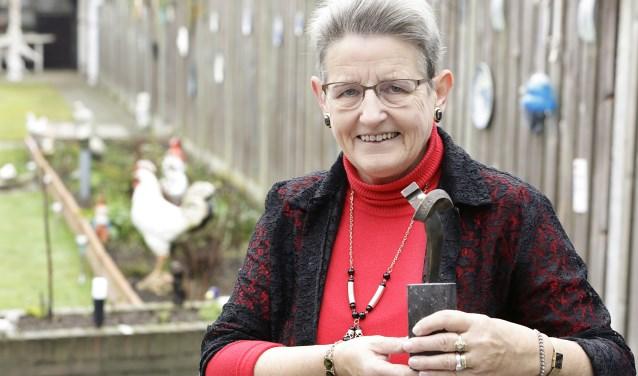 Maria Boonen-Velthoven uit Heeze is tijdens de nieuwjaarsreceptie van de gemeente Heeze-Leende uitgeroepen tot Verbinder van het jaar. Foto: Jurgen van Hoof