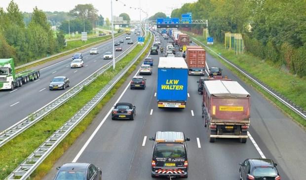 De A15 bij Papendrecht. (foto: Pieter van den Berg)