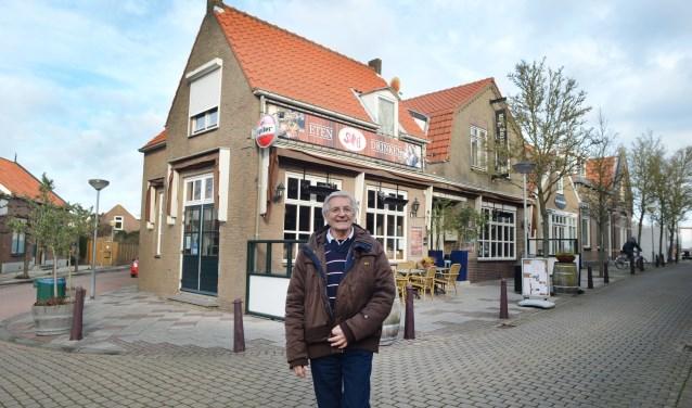 """Wout van der Linde was 14 jaar tijdens de Ramp. """"Het was bij ons in Scharendijke zo dat het water geleidelijk kwam."""" FOTO: Marieke Mandemaker"""