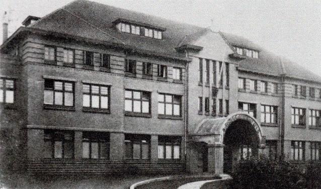 In 1929 was het nieuwe ziekenhuis aan de Houttuinen dichtbij de Grotekerksbuurt klaar.