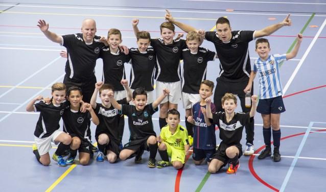 Frank Brands met zijn team (Foto: Jolijn van Goch).