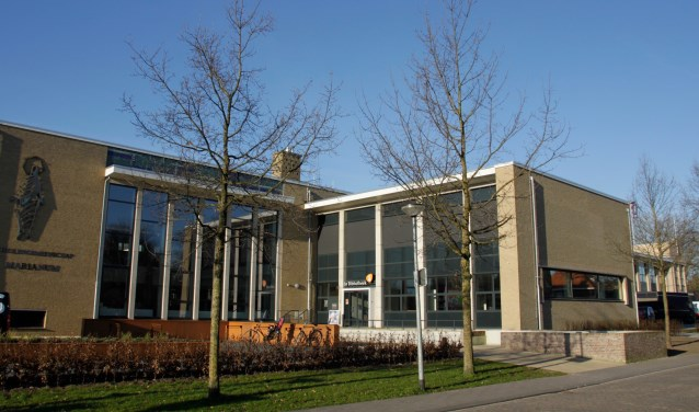 Het lyceum in 1959 gesticht door de Maristen, is klaar voor de toekomst. Foto: Eveline Zuurbier