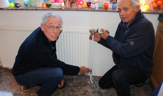 De BENG!-Energieambassadeurs Frans den Braber (l) en Gerard Rosinga (r). FOTO: Jenny Senhorst