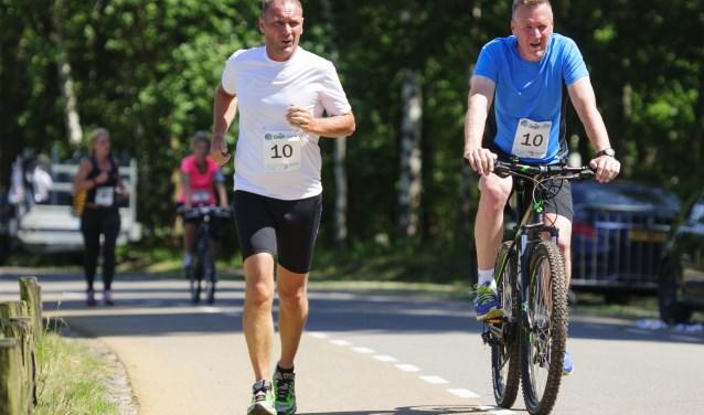 Bike en Run is 'n uniek concept in de sportwereld. Je doet mee in duo's, één van de twee gaat tijdens het afleggen van de route hardlopen, terwijl de ander begeleidt op de fiets. Je mag onbeperkt afwisselen. Er moet goed samengewerkt worden om binnen een snelle tijd de finish te halen.