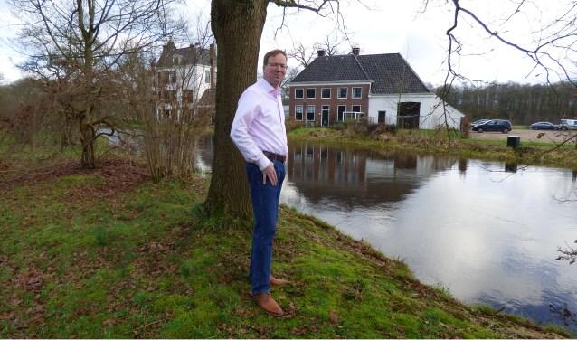 """De Regt verlaat Twente met een goed gevoel. """"Ik verlaat de mooiste plek van Twente en misschien zelfs wel van Nederland. Ik heb genoten van de seizoenen - elk seizoen op het Singraven is mooi - en van de werkzaamheden en de contacten. Maar nu is het tijd voor iets nieuws."""""""