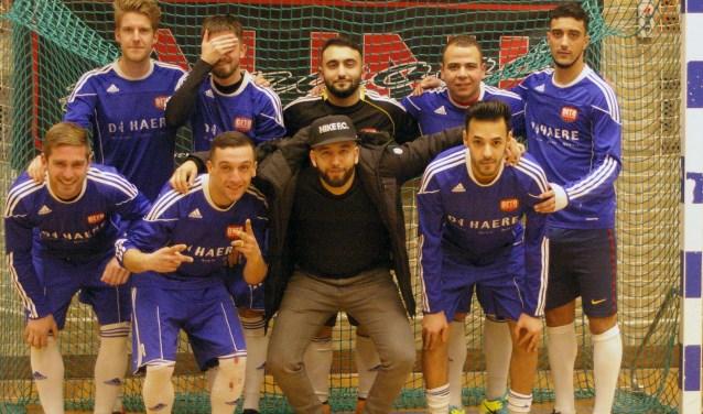 Het technisch sterke FC Eustacia voetbalteam uit Vriezenveen werd tweede op het landelijke AUNI-toernooi.