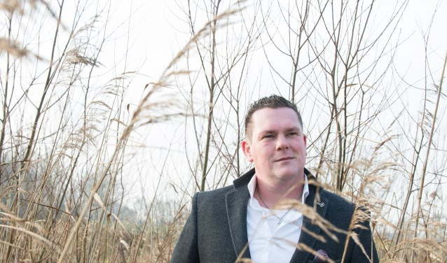Zanger Gerben Tijssen geeft de komende maanden ieder weekend minimaal wel één optreden. Op vrijdag 26 januari is de locatie wel heel bijzonder. Dan verzorgt hij bij Cleopatra in Heerde een Hollandse Avond.