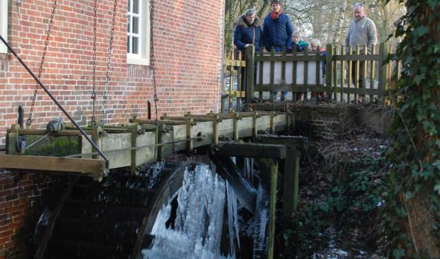 Een bezoek aan de watermolen staat ook op het programma tijdens de Drie Koningenwandeling.
