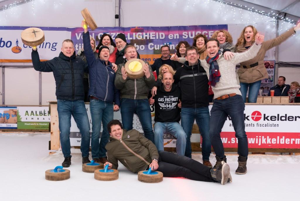 De Prutsers vierden hun overwinning uitbundig. (Foto Walter Verwaal Fotic)