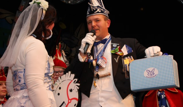De Zandhazendurpse carnavalscarrière van Paul Hazenberg begon in 1992, toen hij samen met zijn zus Adrienne de jeugdraad van XI ging begeleiden. Enkele jaren later, in 1998, stapte Paul ook in de Raad van XI, waar hij 18 jaar lid van is geweest.