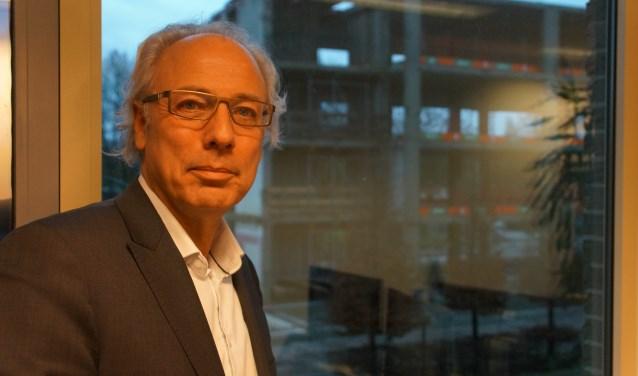 """Burgemeester Victor Molkenboer wil graag nog een termijn in Woerden blijven. """"Er is nog veel te doen."""" Hij hoopt daar na de verkiezingen met een nieuw en stabiel college aan te kunnen werken."""