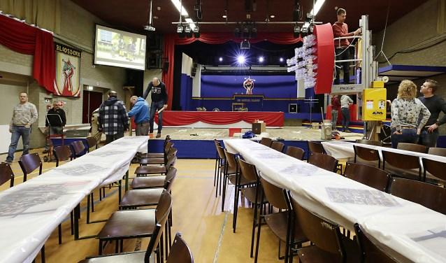 De voorbereidingen op de Tonpraotersaovenden zijn in volle gang. Foto: Jurgen van Hoof