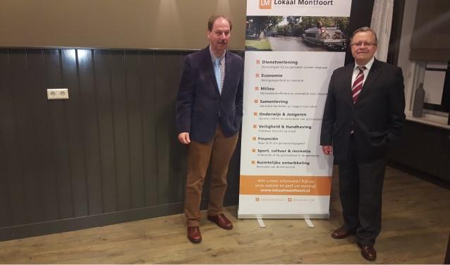 Lijsttrekker Rob Jonkers (links) van Lokaal Montfoort en de nieuwe aanwinst Mat Herben, voormalig woordvoerder van Pim Fortuyn en Kamerlid namens de LPF.  ''Niet vanwege de brandende ambitie, maar het is nodig.'' (Foto: Richard Avontuur)