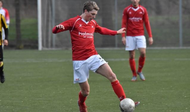 Lars Loermans fleurde zijn debuut op met de gelijkmaker in het duel met OFC. (foto: voetbal-shoot.nl)