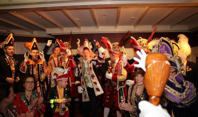 De Losserse hoogheden maken er weer een groot feest van met de 55-plussers tijdens het seniorencarnaval in 't Spoortje.