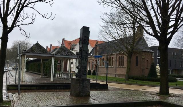 Het Mgr. Bekkersplein in Haaren wordt aangepakt. Alle verhogingen en kunstwerken verdwijnen zodat het plein beter toegankelijk wordt. De kiosk wordt vervangen door een kiosk met een meer nostalgische uitstraling en voorzien van stroom en waterpunten.