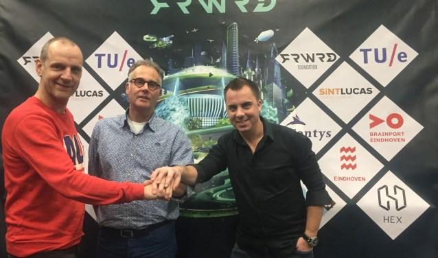 De Effenaar en het FRWRD Festival bekrachtigen hun samenwerking.
