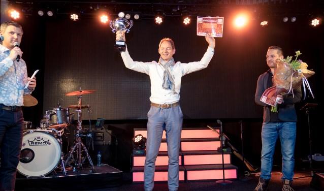 Hans Vial van Intersport Daka Amersfoort kreeg de Award Beste Verkoopmedewerker.