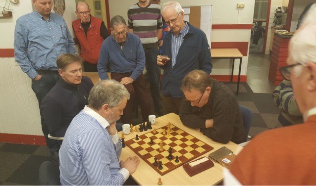 Het titanengevecht tussen Martin Markering en Ed de Beule trok veel bekijks. (Foto: Rinus van der Molen)
