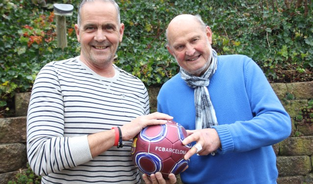 Mink Versluis, Wim Vermeulen en Ton Zandbergen (niet op de foto) introduceren Walking Football in Schijndel. Foto: Wendy van Lijssel