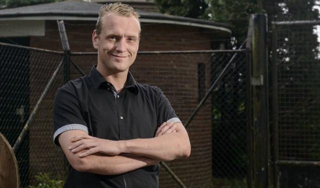 """Tijs Jagers: """"Ik hoop dat we met dit manifest mensen naar de stembus krijgen. Tijdens de vorige gemeenteraadsverkiezingen stemde maar 53,1 procent van de stemgerechtigde inwoners."""" Foto: Lars Smook/Tubantia"""
