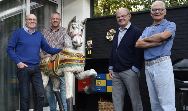 De leden van de werkgroep Beeldenroute Zevenaar. Van links naar rechts: Henk Denters, Rokus van den Akker, Wim van den Boom, Herman de Bruin. (foto: Ab Hendriks)