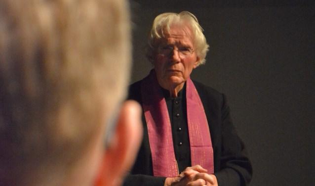 Het stuk vertelt het verhaal van pater Eberhard en Martin, die vroeger aan zijn zorg was toevertrouwd. (Foto: Sven Nederhoff)