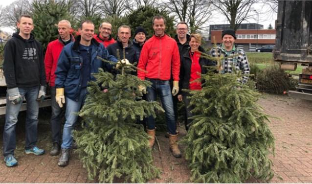 De kerstboomactie van de Brandwijk Bommelerwaard Runners heeft dit jaar 4.000 euro opgebracht.