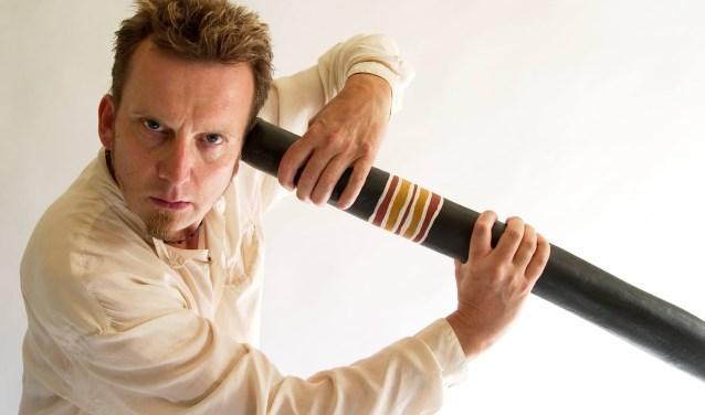Stephen Kent verzorgt op zaterdag 20 januari een workshop didgeridoo en een concert bij Percussieschool Mi Dushi in Apeldoorn aan Jean Monnetpark 59.