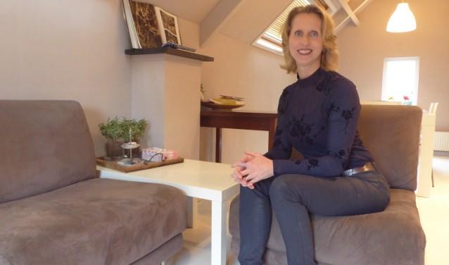 Brun Kuipers in haar eigen praktijkruimte in Renkum. (tekst en foto: Marnix ten Brinke)