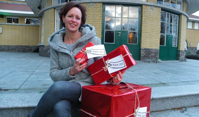 Ruth van der Meer doet graag iets voor anderen. Ze helpt als vrijwilligster mee in de nieuwe LiefsFabriek in Hazerswoude-Dorp.