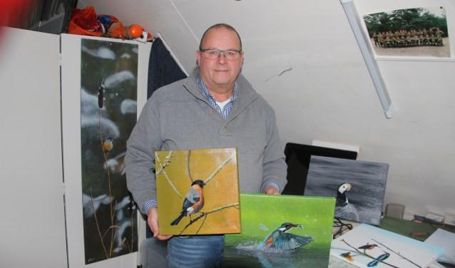 Ronald Schumer wil les gaan geven in het fijnschilderen en hoopt zo zijn grootste hobby door te kunnen geven aan anderen
