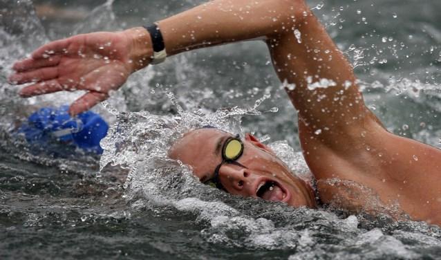 Hoewel Maarten van der Weijden al heel wat uitdagingen wist te doorstaan, staat hem nu wel een hele grote klus te wachten. Eind augustus gaat hij de Efstedentocht zwemmen.