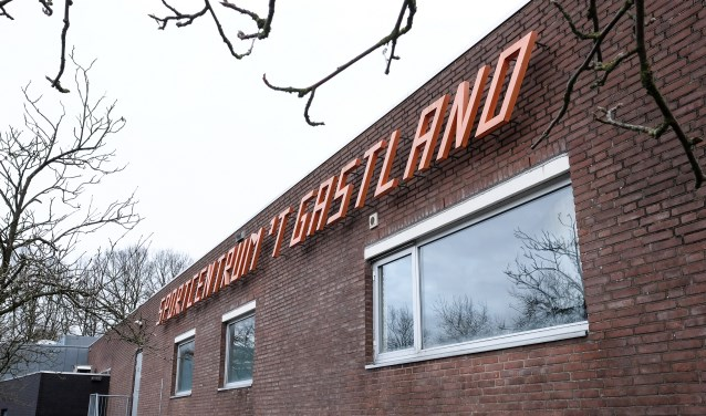 Sportcentrum 't Gastland in Rhenen wordt geëxploiteerd door Optisport, die onlangs de zwembadtarieven drastisch verhoogde, dit tot groot ongenoegen van een groep abonnementhouders. (foto Max Timons)