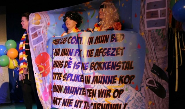 In ontmoetingscentrum De Huif in Bokkendonk werd ook dit jaar door de organisatie Stichting Fidderaosie de jaarlijkse D(r)eun en Kolder gehouden.