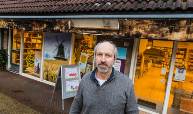 Gedupeerde ondernemer Arno Grünbauer, eigenaar van de natuurvoedingswinkel in Doorn. Foto: Mel Boas